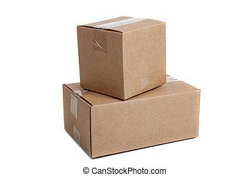 pila, de, embalaje, cajas, en, un, fondo blanco