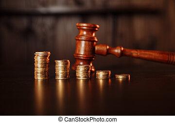 pila, giudice, gavel., monete, legno, tassa, pagamento, concept.