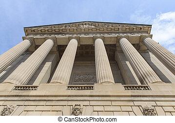 pilares, com, céu azul, fundo