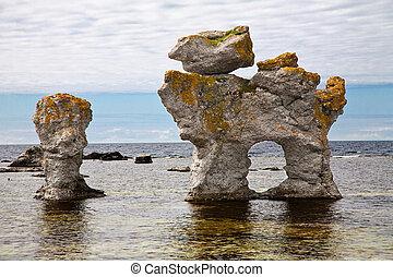 pilares, piedra caliza