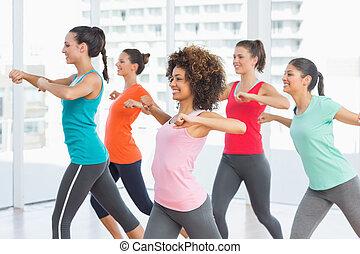 pilates, exercice, instructeur, classe aptitude