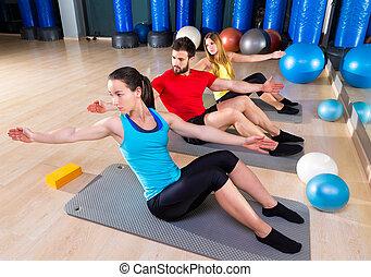 pilates, gente, ejercicio de grupo, hombre, y, mujeres