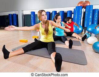 pilates, joga, training, übung, in, fitness, turnhalle