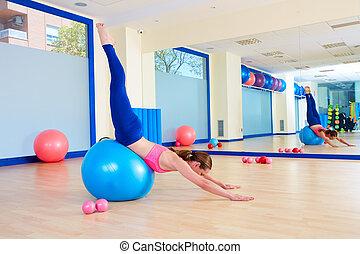 pilates, mujer, fitball, zambullida cisne, ejercicio,...