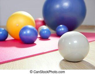 pilates, yoga mata, sala gimnastyczna, stałość, piłki, sport, toning