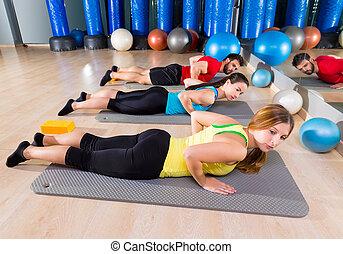 pilates, yoga, utbildning, övning, in, fitness, gymnastiksal