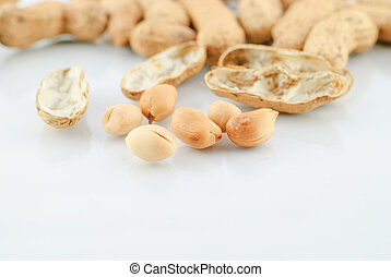 pile of peanuts