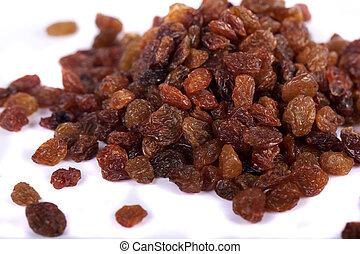 pile of raisins