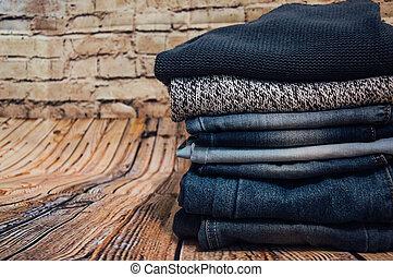 pilha, calças brim, clothes., na moda