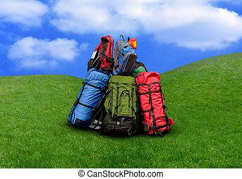 pilha, de, mochilas, em, a, natureza