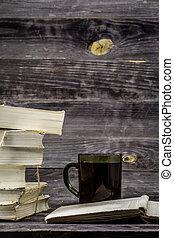 pilha, livros, ligado, madeira, fundo, com, xícara chá