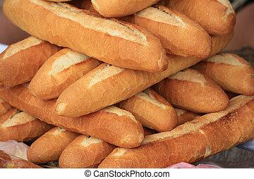 pilha, pão francês