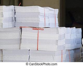 pilhas, de, impresso, papel