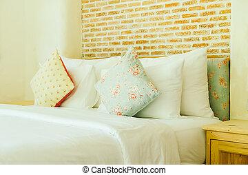 Dekoration, pillow, seng, soveværelse. Dekoration, interior ...