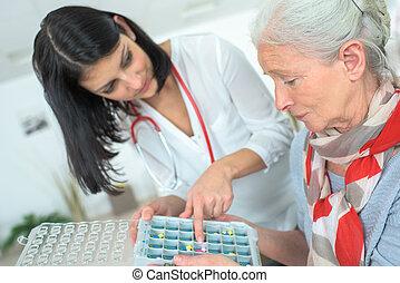 Pills arranger for each day