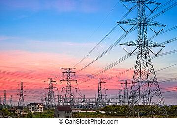 pilone elettricità, a, crepuscolo