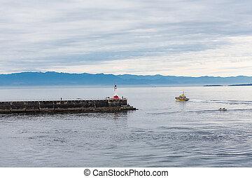 Pilot Boat Rounding Victoria Lighthouse