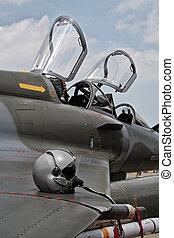 pilot, hjælm, på, den, vinge, i, en, fighter jet
