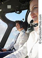 pilota, e, co, pilota, in, abitacolo, di, elicottero