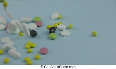 pilules, capsules, pilules, monde médical, coloré, tablettes, bas., médecine, tomber, concept.