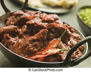 pimentões, carne, karahi, naan, phall, caril verde