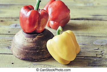 pimentas, amarelo vermelho, sino