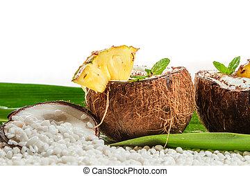 pinacolada, bebida, con, fresco, menta, en, coco