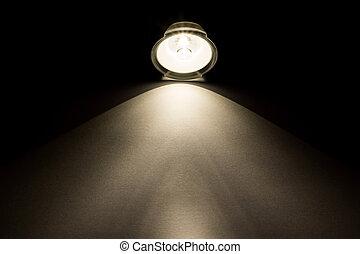 pinceau lumineux, depuis, lampe électrique