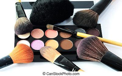 pincel de maquillaje, y, cosméticos
