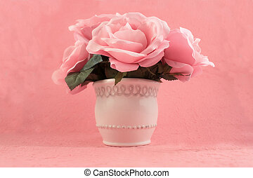 Pink roses - Centerpiece of quaint pink roses on a pretty...