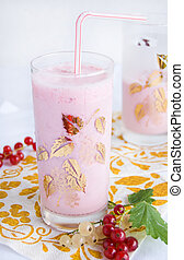 Pink smoothie with fresh berries