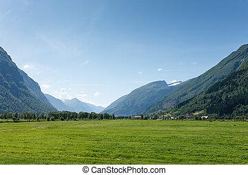 pintoresco, valle, entre, montañas