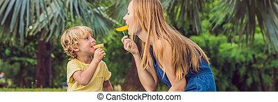 pique-nique, bannière, manger, format, sain, avoir, fruits, -, long, fils, mangue, park., nourriture, maman, ananas, enfants, melon.