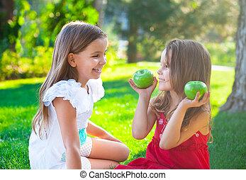 pique-nique, famille, parc, jouer, automne, enfants, heureux