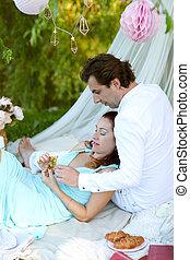 Pique nique romantique coupler ensemble dehors avoir images rechercher photographies - Pique nic romantique ...