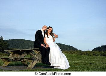 piquenique, &, noivo, noiva, tabela, sentando