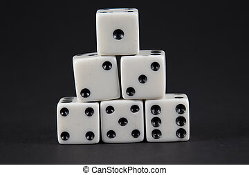 piramide, dado, esposizione, sei, uno, numeri