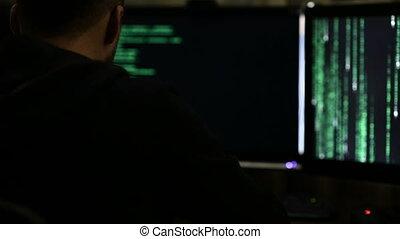 pirate informatique, professionnel, fonctionnement, nuit