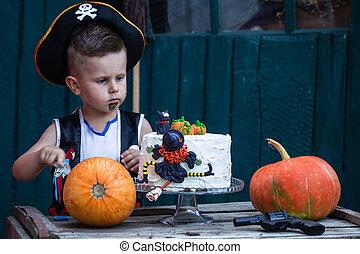 Pirate with a pumpkin