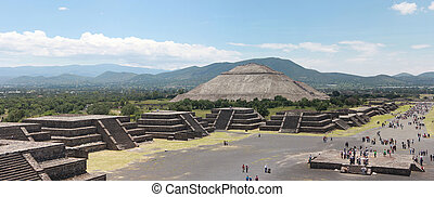 Pirmide del Sol in Teotihuacan Mexico city