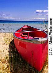 piros, kenu, képben látható, a, tengerpart
