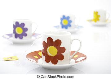 piros, tea csésze