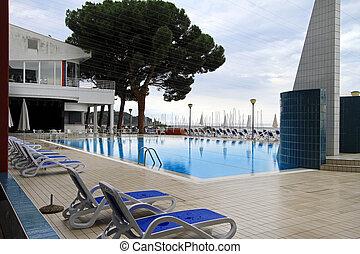 piscina al aire libre, natación