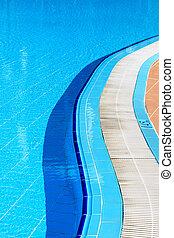 piscina, en, un, día soleado