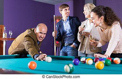 piscina, feliz, medio, juego, gente, teniendo, clase