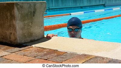 piscine, nageur, regarder, mâle, dehors, 4k