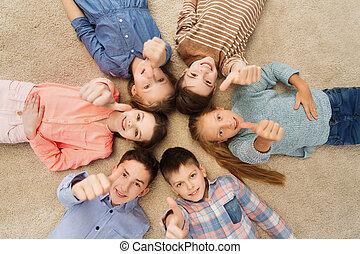 piso, actuación, arriba, pulgares, niños, feliz