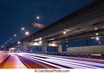 pistes, lumière, voitures