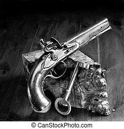 pistolet, flintlock, jailers, key.
