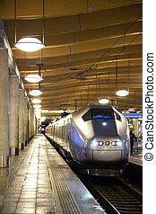 pistoolkogel, moderne, trein